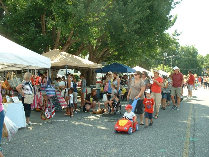 3. Peach Festivals (Wyoming and Middletown)