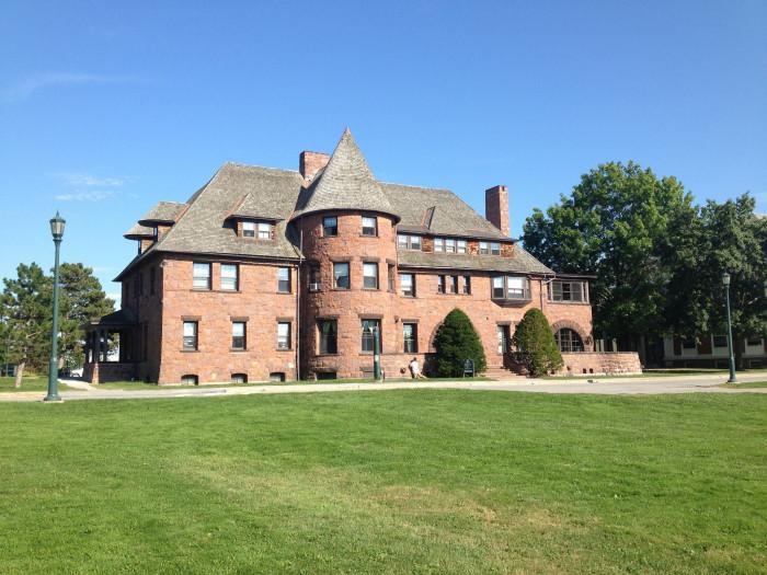 Redstone Hall - 376 So. Prospect Street, Burlington