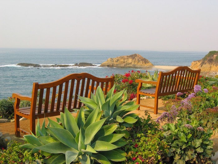 15. If you're ever in doubt just how lucky we are to live here, grab a seat in one of these benches at Laguna Beach and take in the breathtaking surroundings.