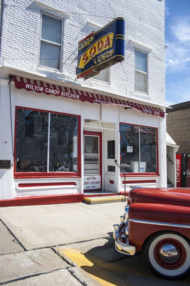 3. Savor a classic ice cream sundae at one of Iowa's old-fashioned soda fountains.
