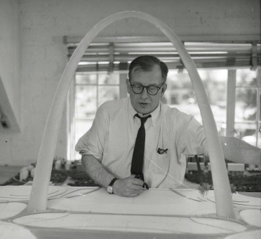 5.The Gateway Arch was designed by Finnish-American architect Eero Saarinen in 1947.