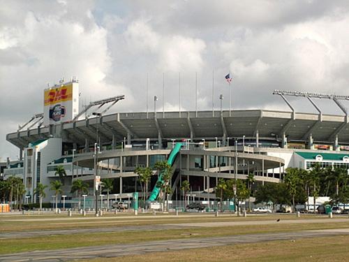 14. Pro Player Stadium (now New Miami Stadium) and Villa Vizcaya - Ace Ventura: Pet Detective