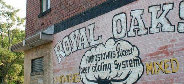 2. The Royal Oaks (Youngstown)
