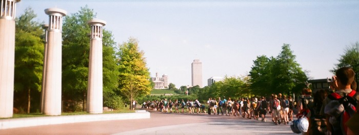 4. Take a walk through the Bicentennial Capitol Mall State Park.