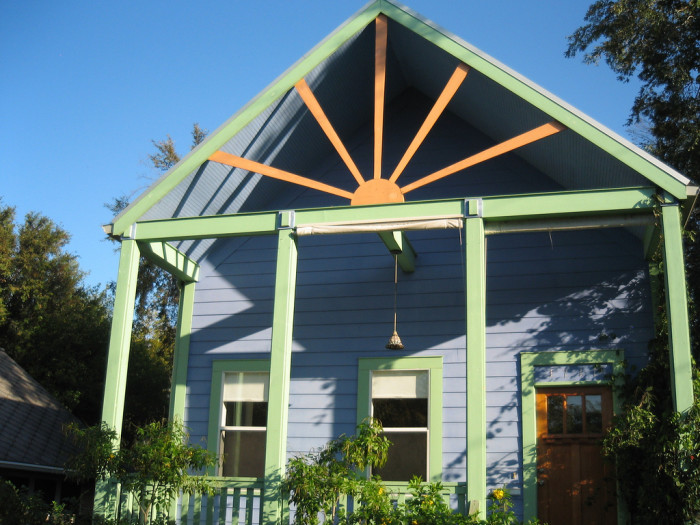 6. Tarrytown of Austin is another one of those vibrant neighborhoods where citizens express themselves through their colorful homes.