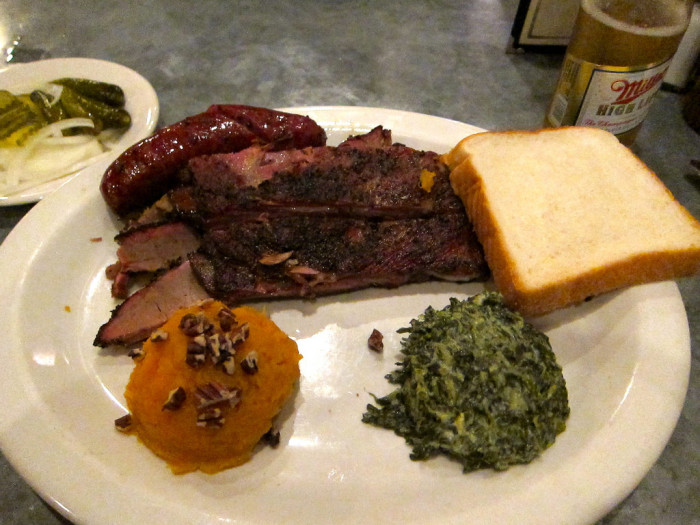 7. Live music and good ol' Stubb's BBQ - What could be better than this combination?