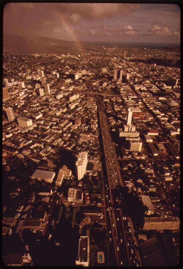 5. This enchanting aerial photograph of Honolulu even features a rainbow.