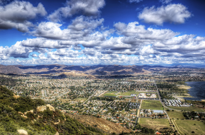 11. Lake Elsinore sure is photogenic. It's these gorgeous places that make you stop and ponder just how much beauty surrounds us in SoCal.