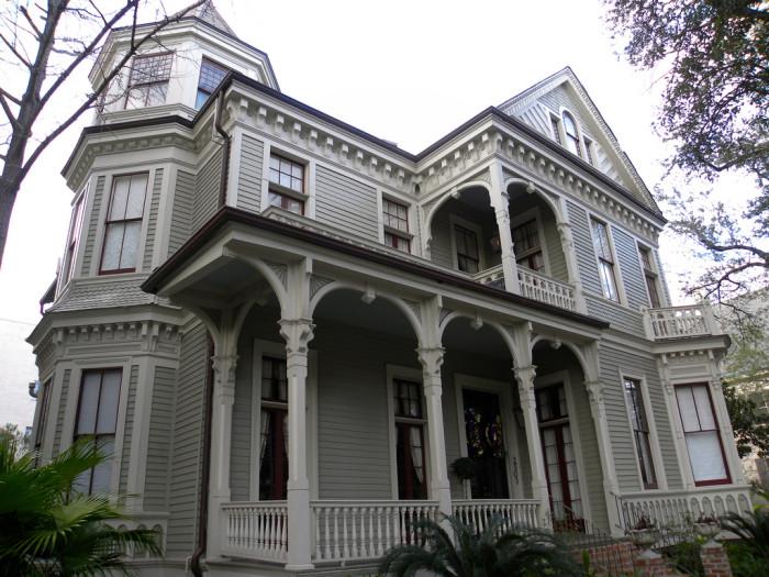 11) Garden District Mansion