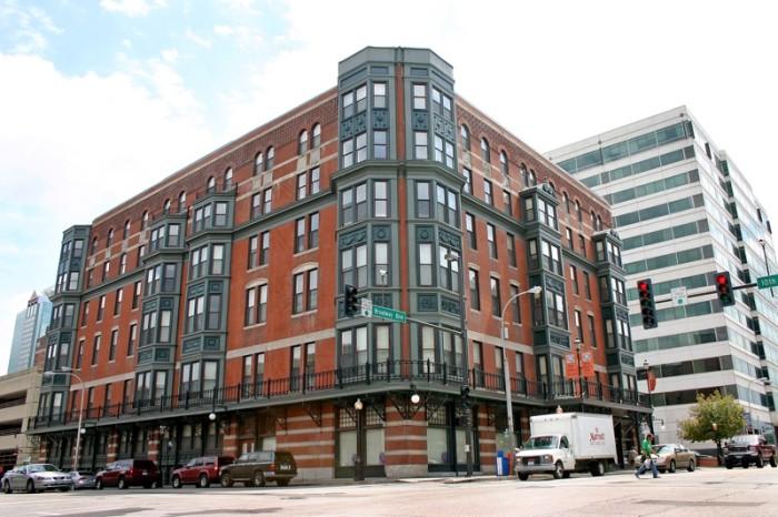 Altitude  Apartments Kansas City