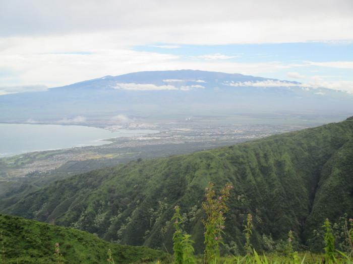 6. Waihee Ridge Trail