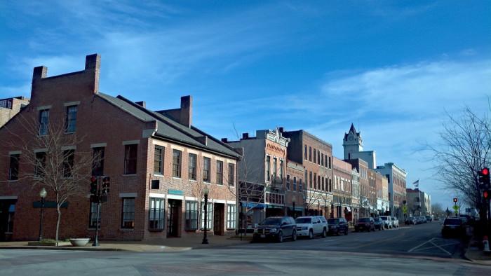 6.2. Main Street, Jefferson City
