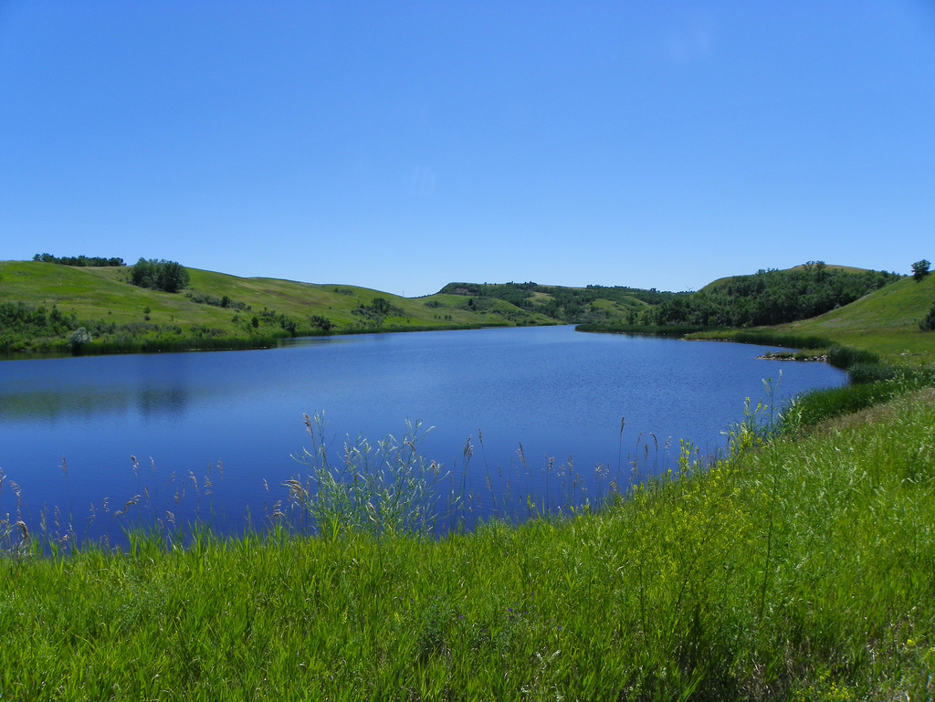 9 best lakes to visit in north dakota this summer for Best fishing lakes in illinois