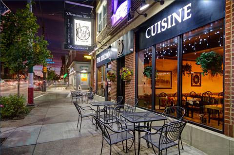 6.  Pleasure Bar & Restaurant