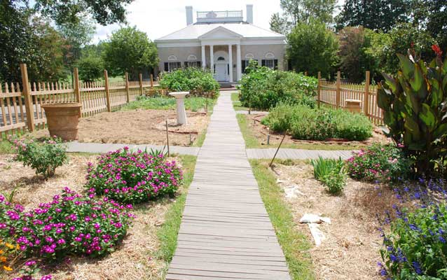 7. In order to give visitors a glimpse into the life of an average civilian during the Civil War, the park has established the Heritage Garden.