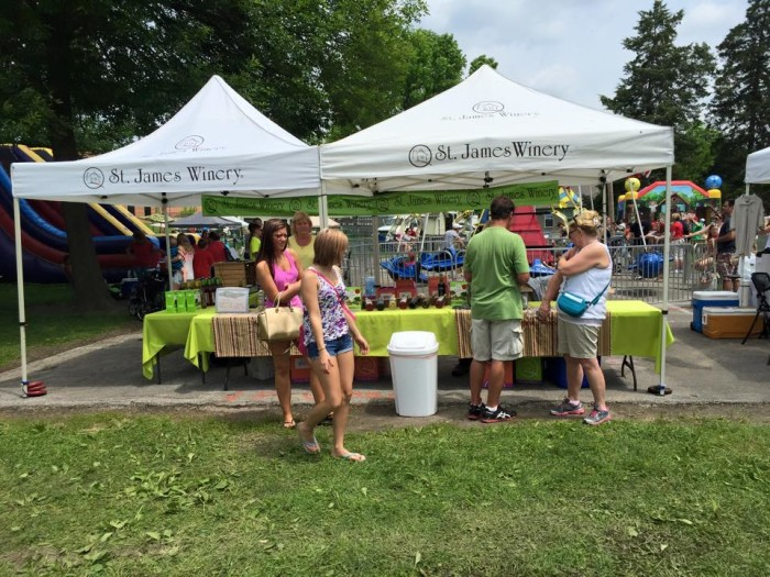 7.City of Kimmswick Strawberry and Apple Butter Festival