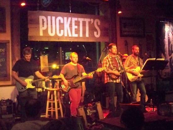 7. Puckett's Grocery & Restaurant
