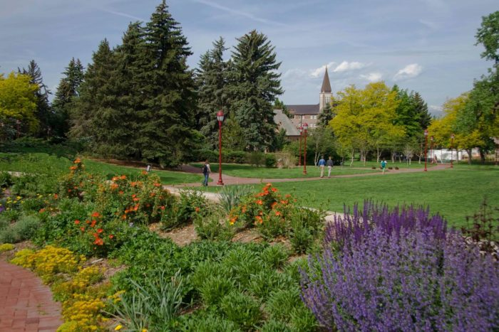 12 Amazing Hidden Gardens To Visit In Colorado This Spring