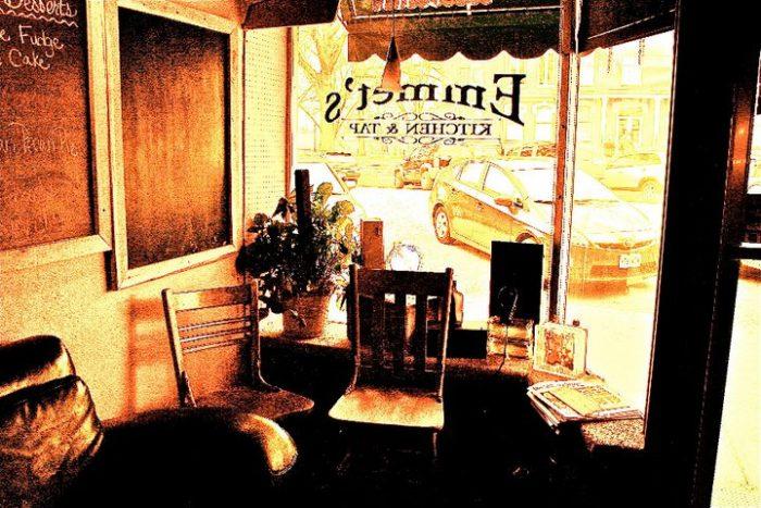 8.Emmet's Kitchen & Tap, Fayette