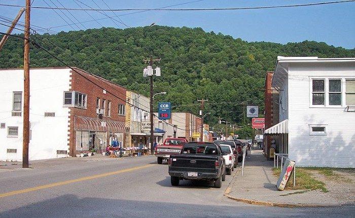 West Virginia: Clay
