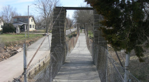 This Terrifying Swinging Bridge In Kansas Will Make Your Stomach Drop