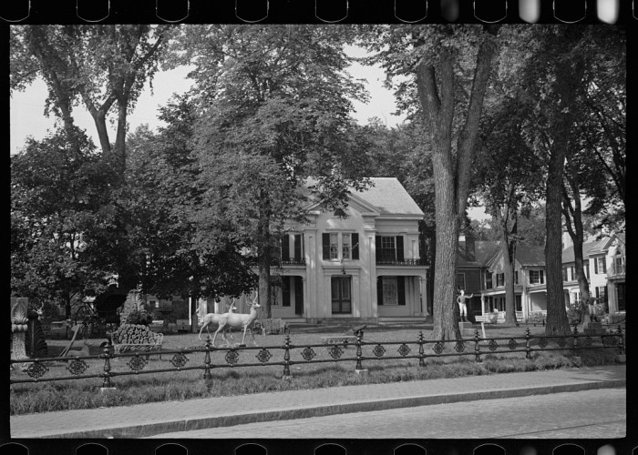 6. This mansion sits on Main Street in Rockland, 1937.