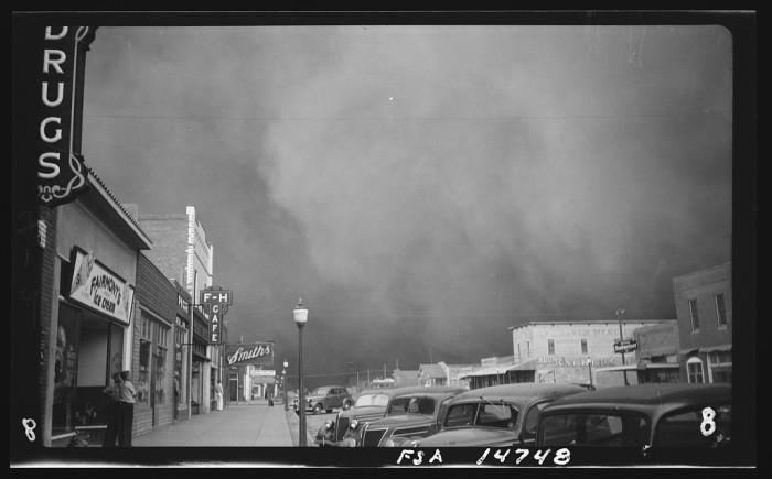 5. A raging dust storm encroaching on Elkhart, Kansas in 1937.