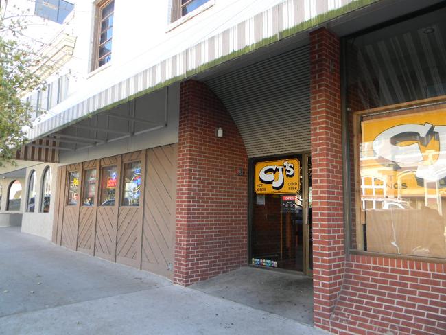 9.CJ's, Columbia