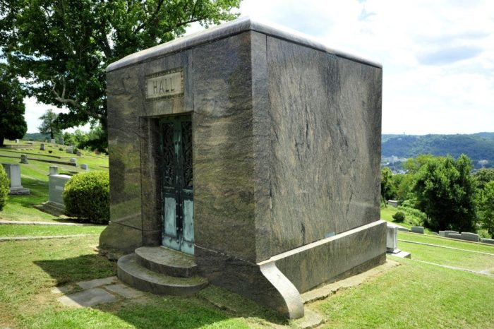 10. Spring Hills Cemetery, Charleston
