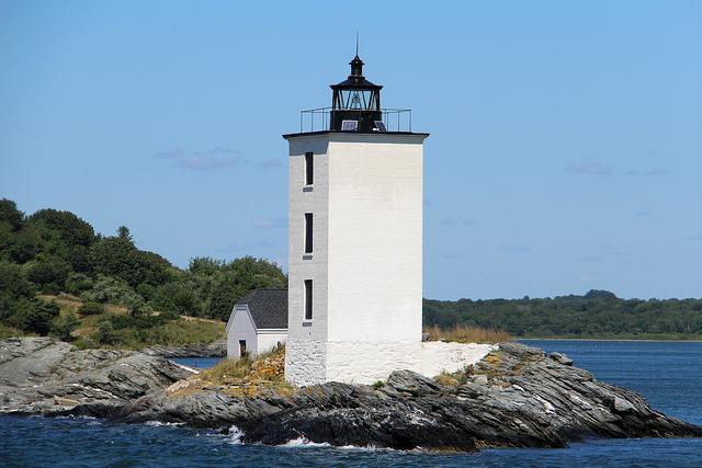 6. Dutch Island Lighthouse