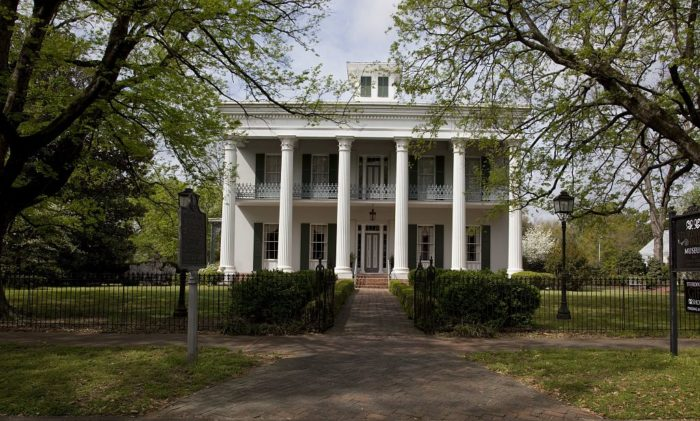 The 10 Most Haunted Ghost Stories From Alabama