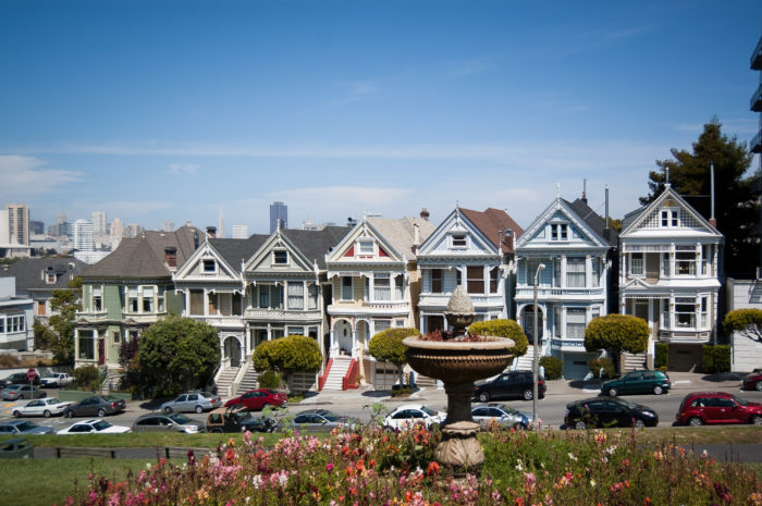 4. Have a picnic in front of the Painted Ladies in Alamo Square, Full House-style.