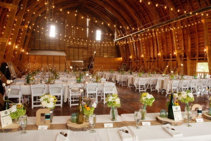 Amelia_Anne_Photography_Big Yellow Barn_Montana Wedding_Rustic Chic Reception