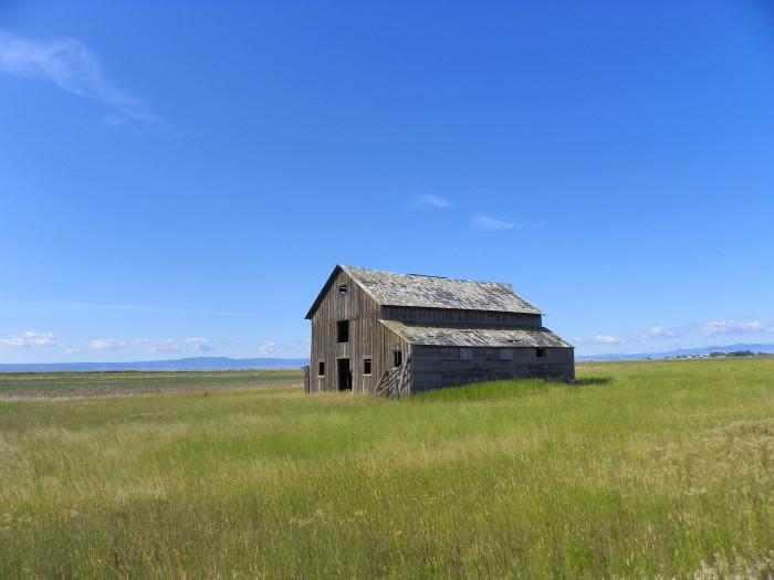 8. Judith Basin County Barn