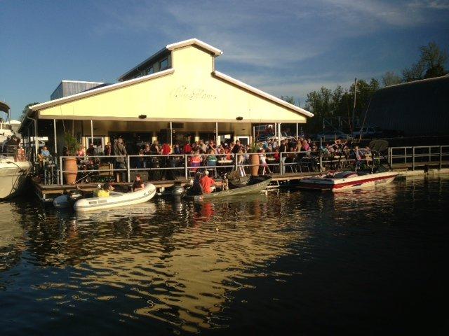 7. Blue Moon Waterfront Grill - Nashville