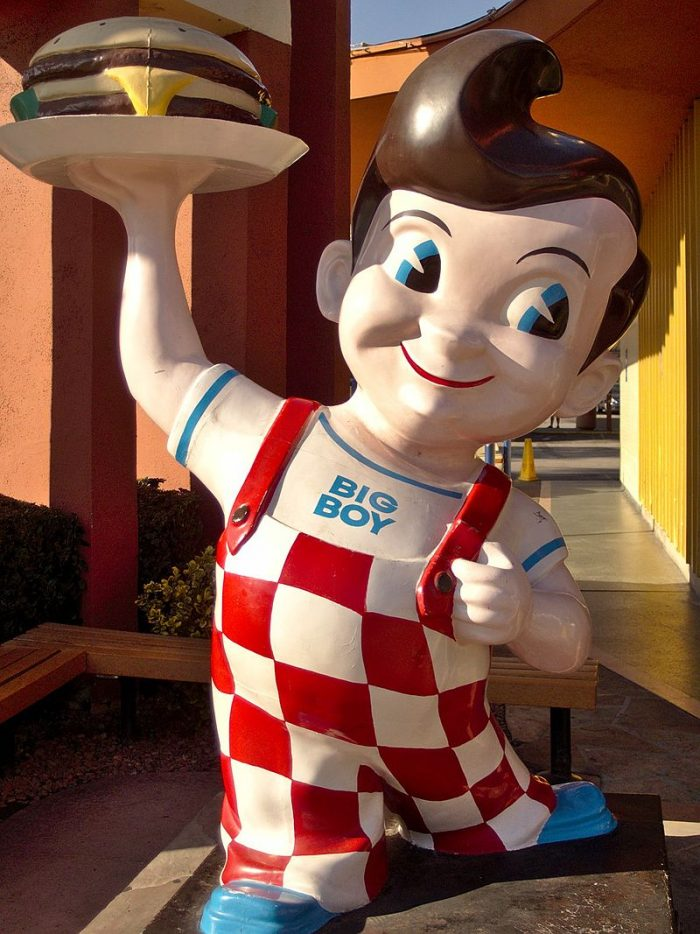 Bob's_big_boy_statue_burbank_2013