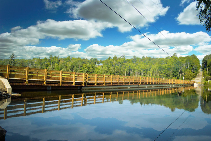 Brookfield_Floating_Bridge_2015