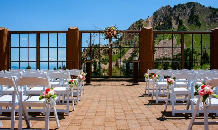 The 10 most beautiful wedding venues in utah for Castle haven cabins