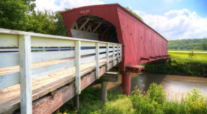 These 6 Beautiful Covered Bridges In Iowa Will Remind You Of A Much Simpler Time