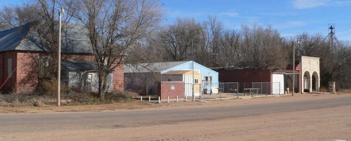 Cowles,_Nebraska_Main_Street_3