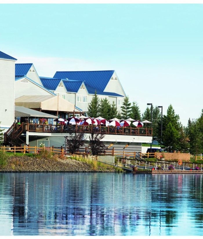 11 Seasonal Waterfront Restaurants In Alaska