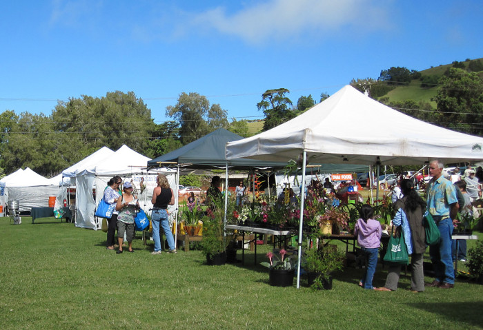 5. Hawaiian Homestead Farmers' Market