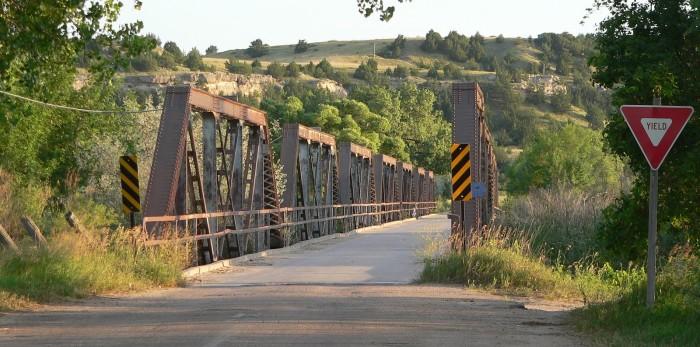 Lewellen,_Nebraska_bridge_from_S_2