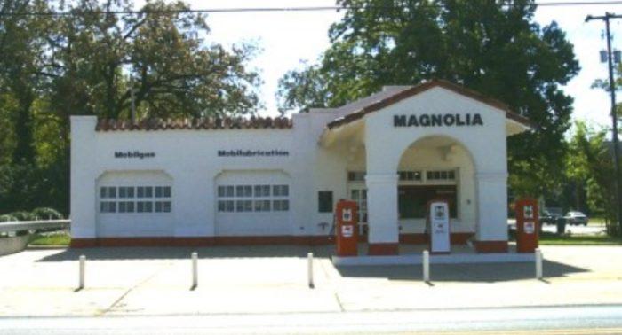 Magnolia_Gas_Station