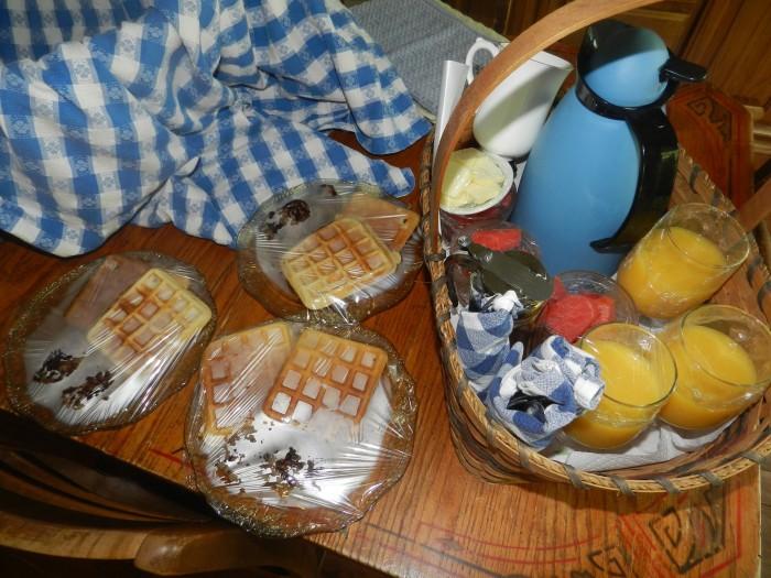 Mary Rose Herb Farm and Retreat breakfast