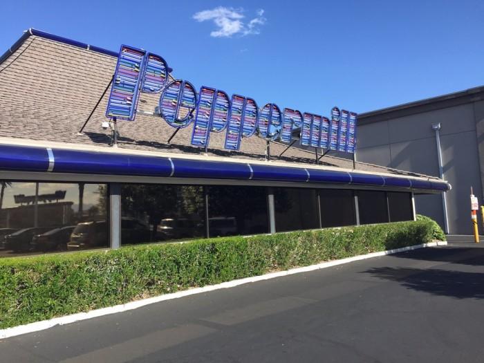 8. Peppermill Restaurant & Fireside Lounge - Las Vegas, NV