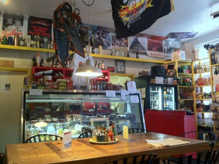 NV Tiny Restaurant 10.10
