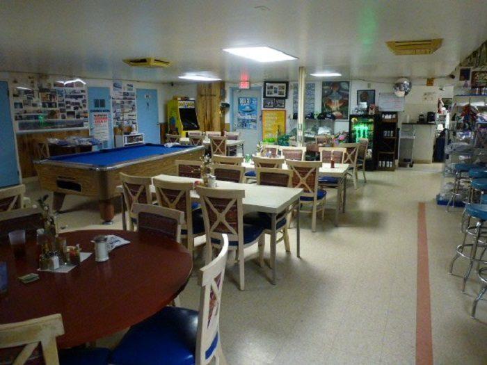 NV Tiny Restaurant 7.7