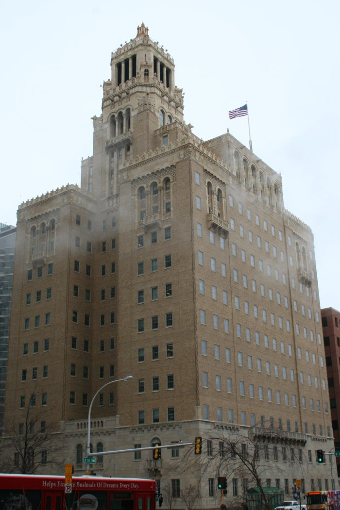 6. The Plummer Building in Rochester is a part of the world-renowned Mayo Clinic and an architectural masterpiece.