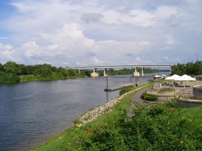 11 Beautiful Waterfront Towns In Louisiana